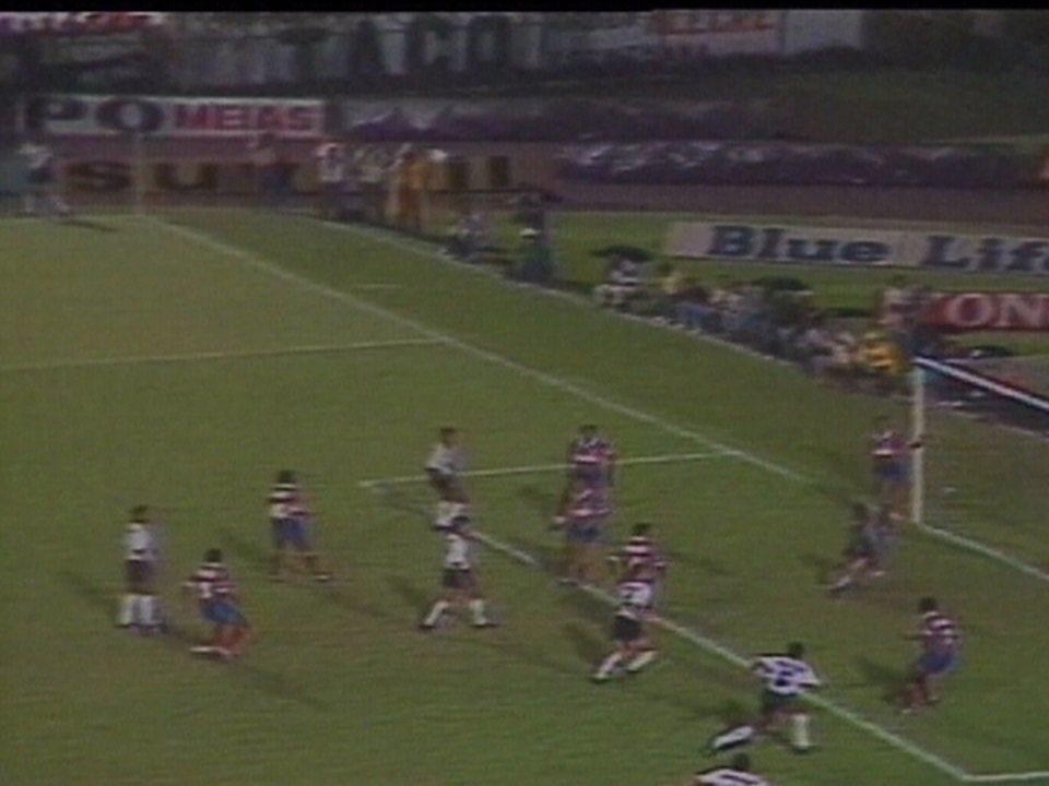 Em 1990, Corinthians vence o Bahia por 2 a 1 pelas semifinais do Campeonato Brasileiro