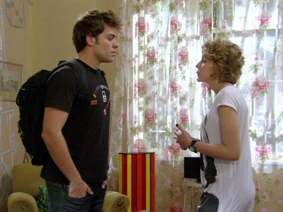 Malhação - Capítulo de quarta-feira, dia 30/05/2012, na íntegra - Betão pede para reatar com Babi