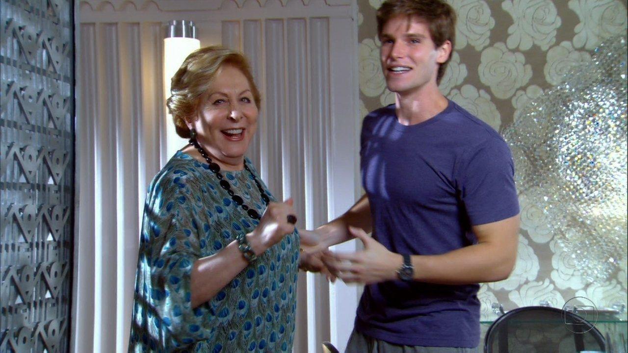 Cheias de Charme - Capítulo de segunda-feira, dia 04/06/2012, na íntegra - Otto se reaproxima de Conrado e Máslova comemora