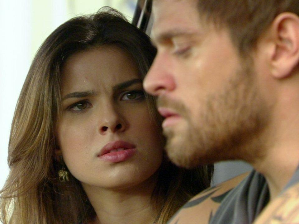 Malhação - Capítulo de sexta-feira, dia 08/06/2012, na íntegra - Cristal garante a Moisés que Alexia voltará