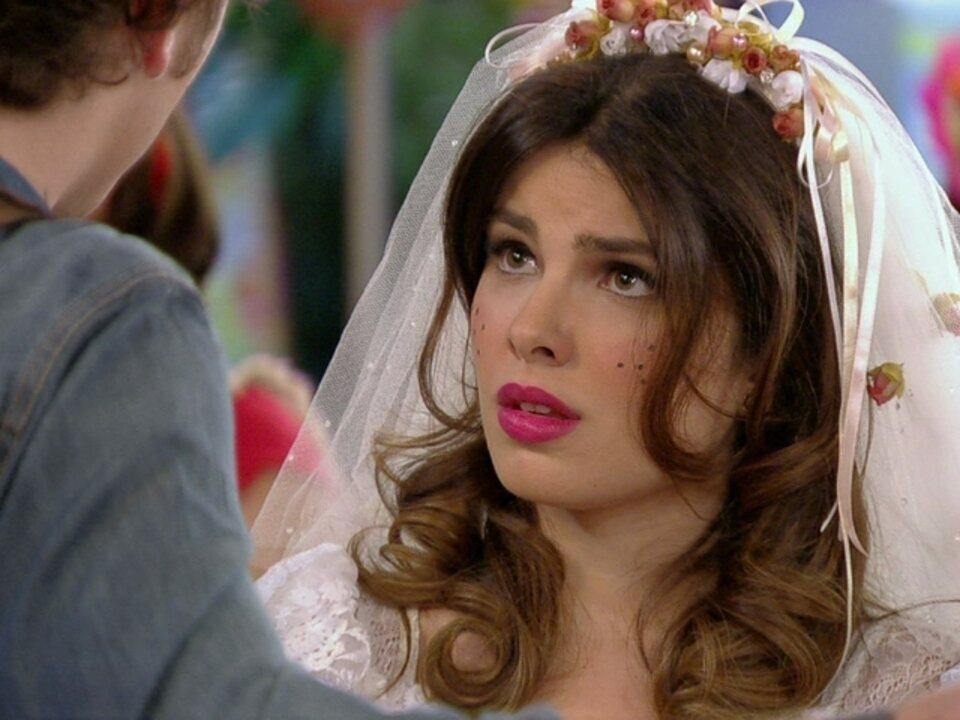 Malhação - Capítulo de quinta-feira, dia 21/06/2012, na íntegra - Cristal conta para Gabriel que vai se casar com Tomás e morar no Sul