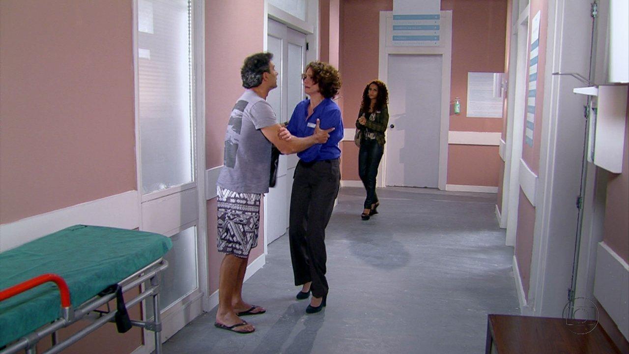 Cheias de Charme - capítulo de sexta feira, dia 21/09/2012, na íntegra - Penha e Lygia chegam ao hospital onde Samuel está internado