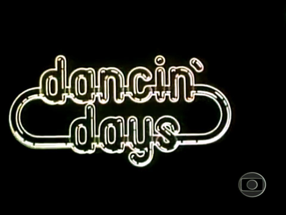 Dancin' Days (1978): Abertura