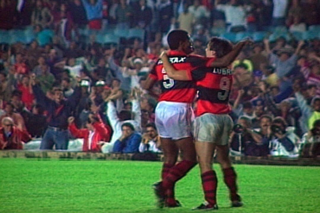 Em 1992, Flamengo vence o Santos por 3 a 1 pelo Campeonato Brasileiro