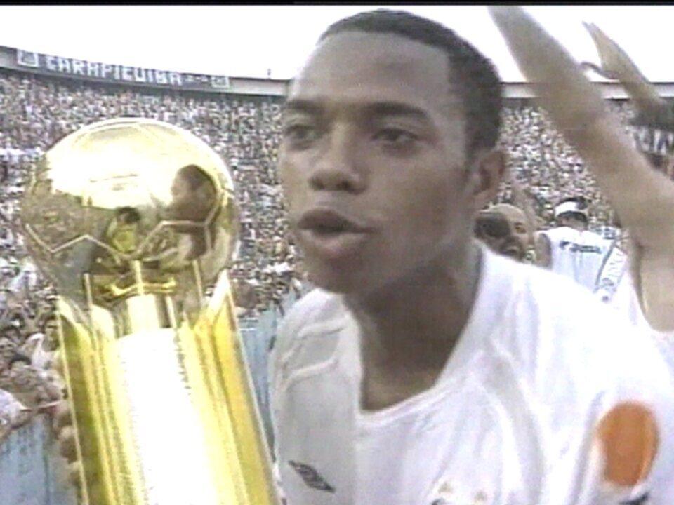 Em 2004, Santos vence Vasco por 2 a 1 pelo Campeonato Brasileiro