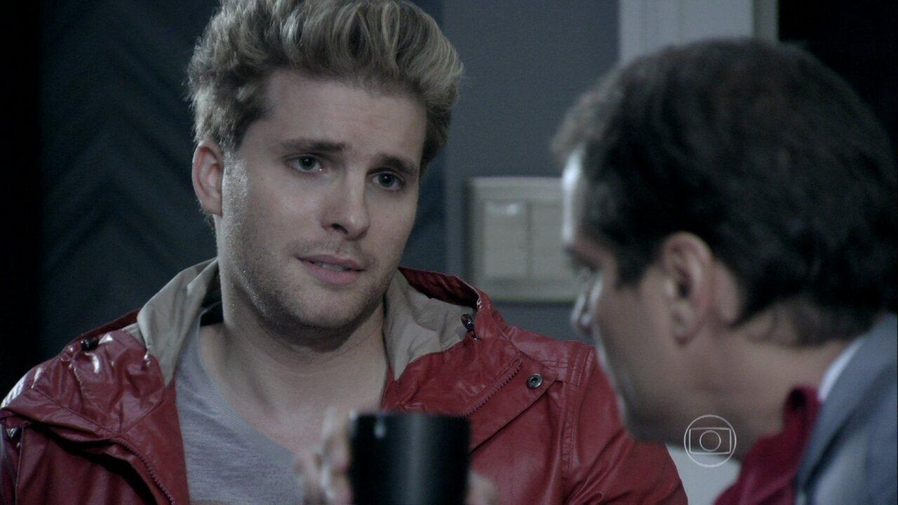 Niko diz a Eron que quer ter um filho