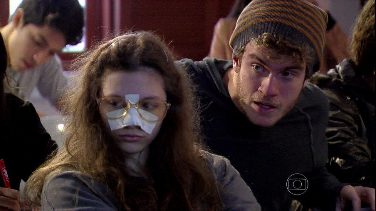 Malhação - Capítulo de quinta-feira, dia 08/08/2013, na íntegra - Sidney insiste em maltratar Micaela