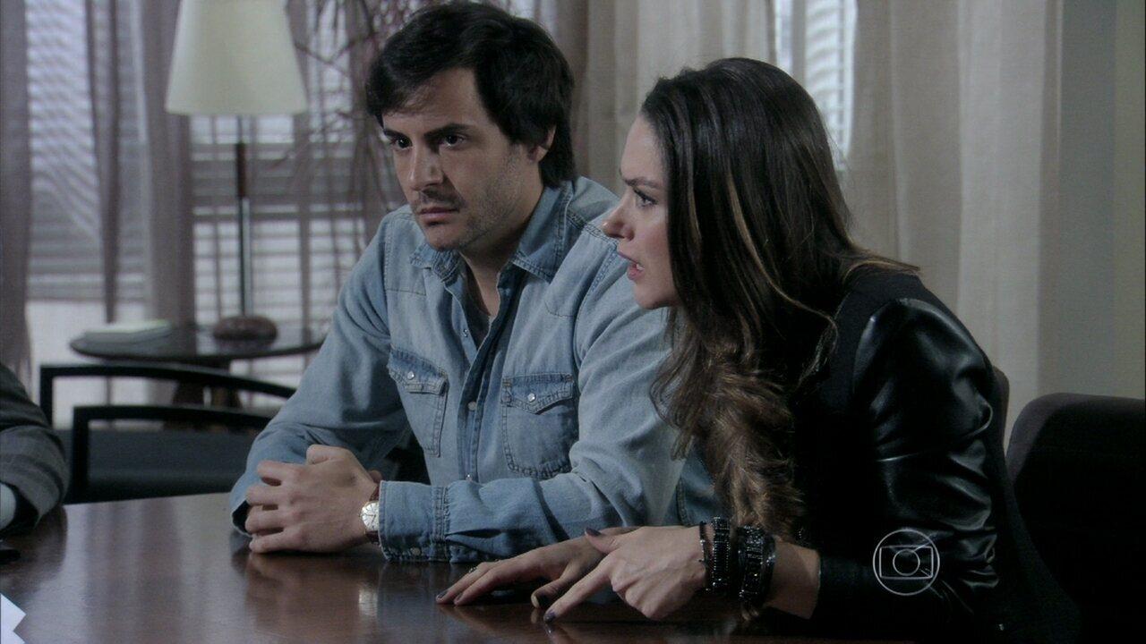 Leila se irrita na leitura do testamento de Nicole