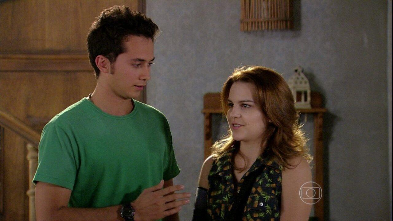 Malhação - Capítulo de segunda-feira, dia 07/10/2013, na íntegra - Ben e Anita decidem contar para todos que estão namorando