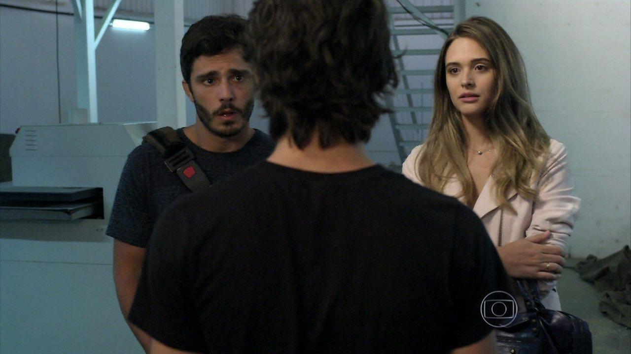 Além do Horizonte - capítulo de segunda-feira, dia 18/11/2013, na íntegra - Surpreso ao ver Lili e William no Grupo, Rafa pergunta se eles se conhecem