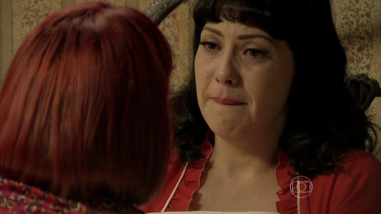 Joia Rara - capítulo de segunda-feira, dia 25/11/2013, na íntegra - Matilde admite para Serena que está apaixonada por Sonan