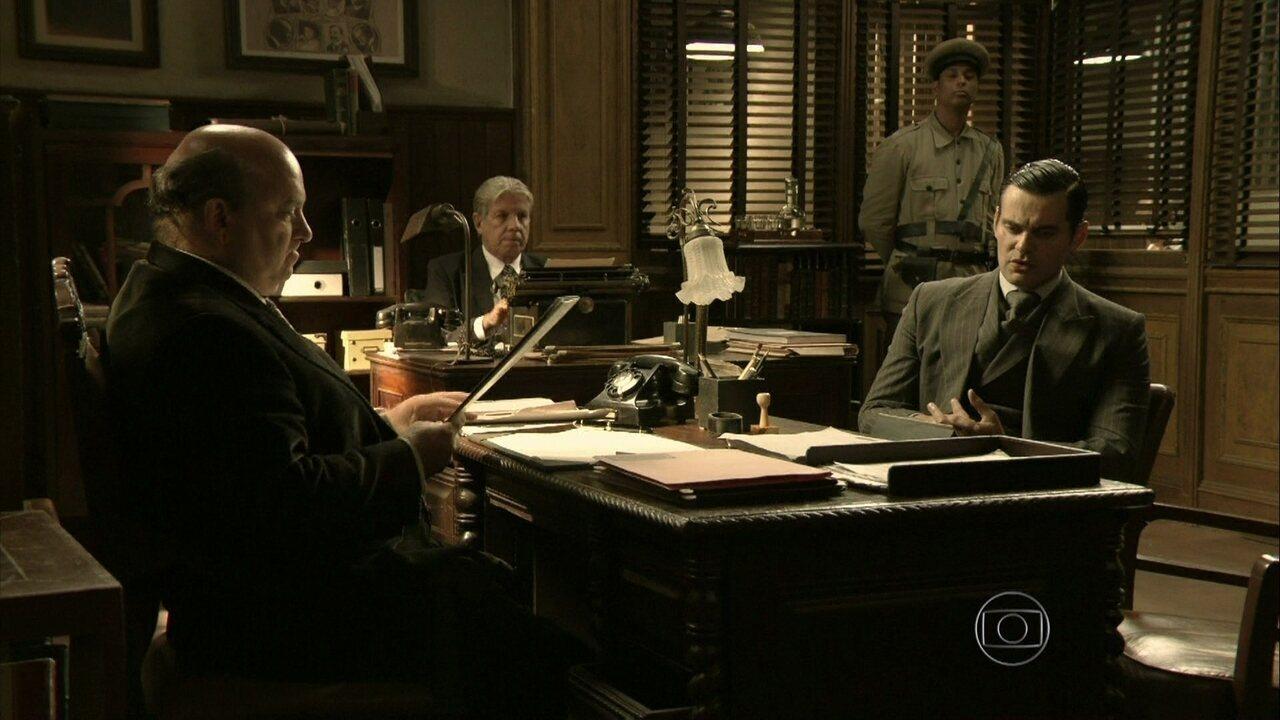 Joia Rara - capítulo de quinta-feira, dia 02/01/2014, na íntegra - Manfred diz ao delegado que Franz é o responsável pela morte de Sílvia