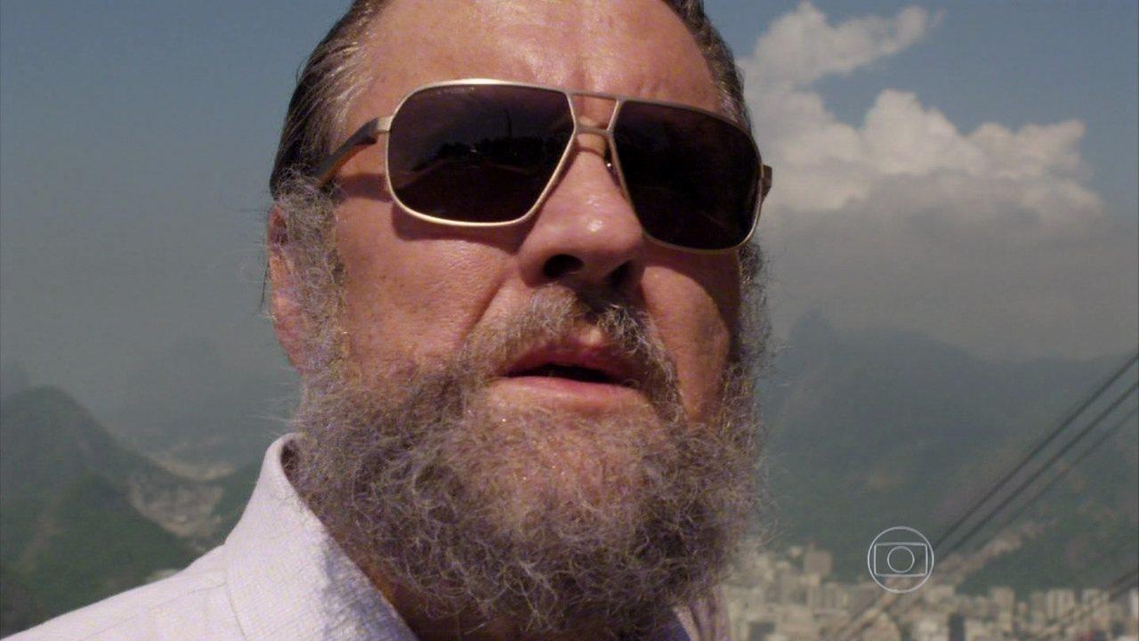 Além do Horizonte - capítulo de quarta-feira, dia 29/01/2014, na íntegra - William é visto por LC