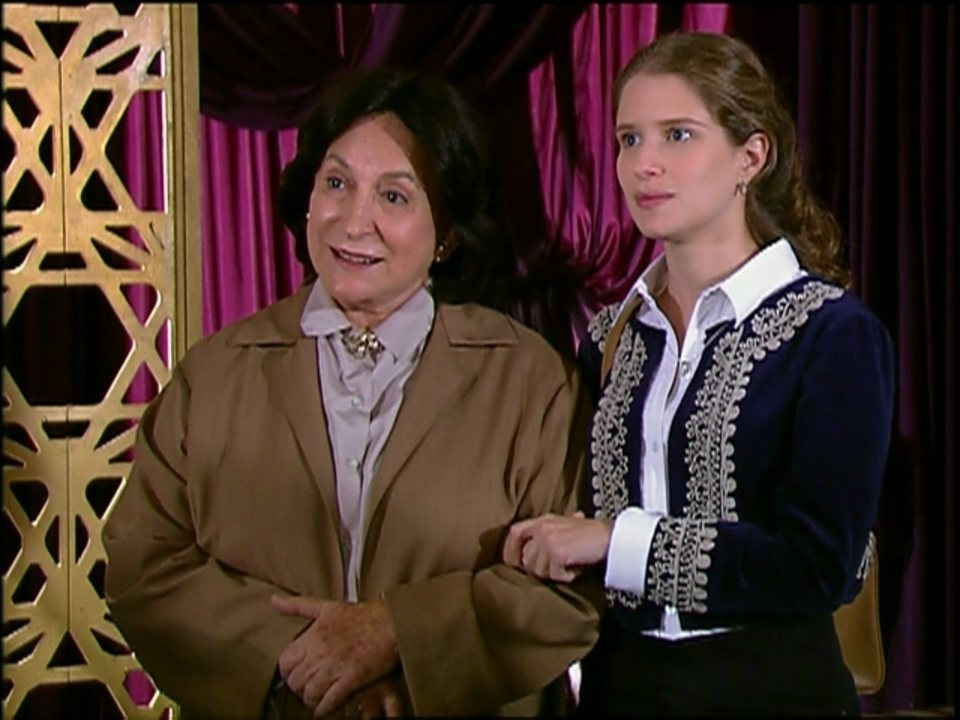 Caras e Bocas - capítulo de quinta-feira, dia 06/02/2014, na íntegra - Relembre a trama de Walcyr Carrasco