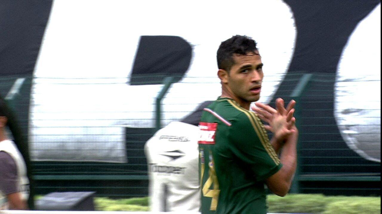 Lembre gol de Alan Kardec em clássico contra o Corinthians