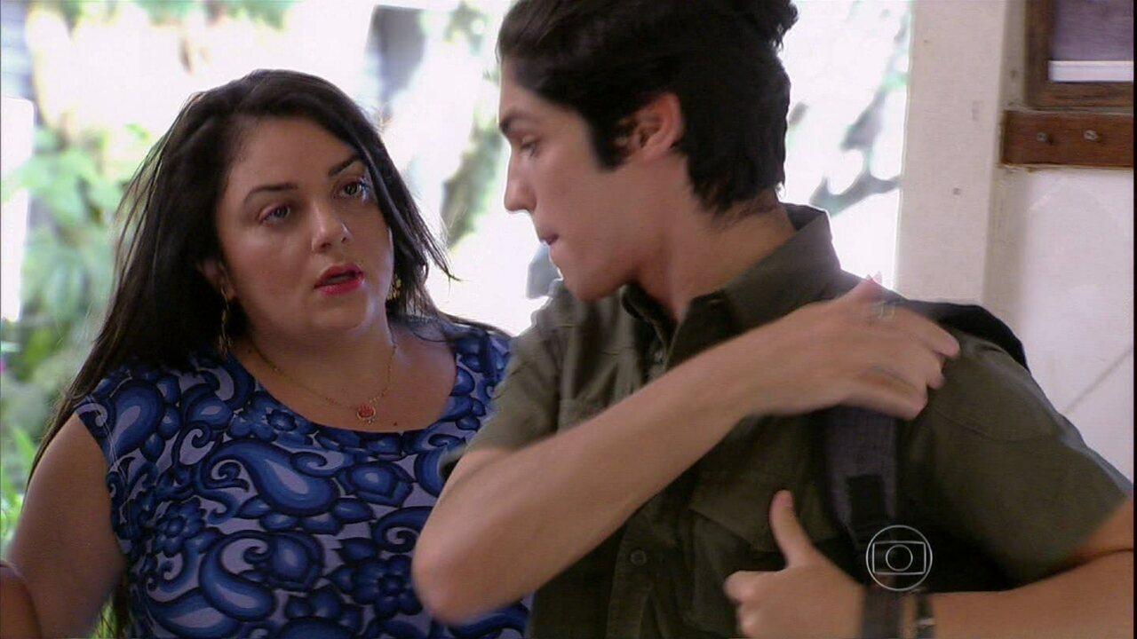 Malhação - Capítulo de quarta-feira, dia 26/02/2014, na íntegra - Antônio furta a bolsa de Soraia e é surpreendido