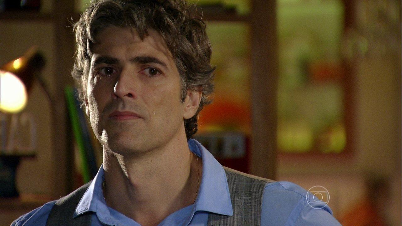 Em Família - Capítulo de segunda-feira, dia 17/03/2014, na íntegra - Cadu discute com Clara por causa de Marina