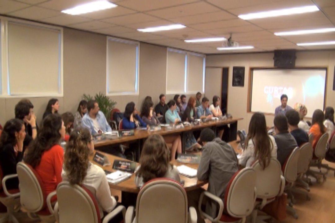 Estudantes selecionados pelo projeto Curtas Universitários participam de workshop