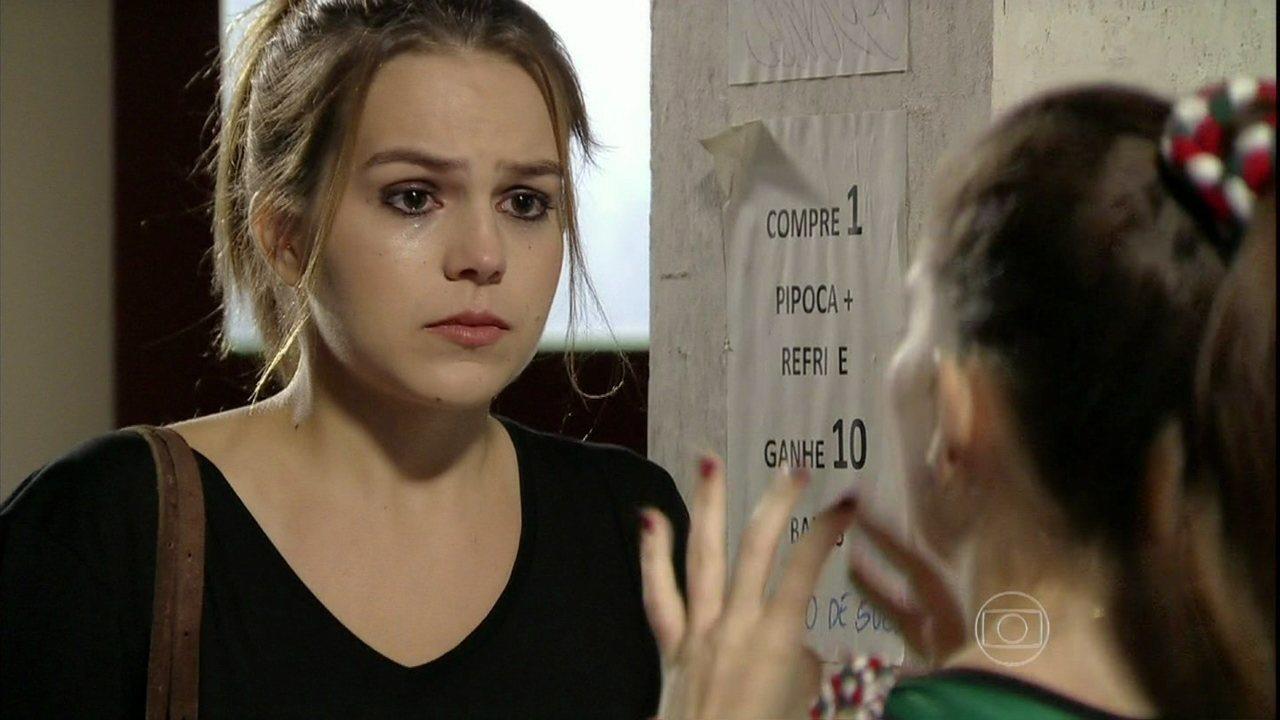 Malhação - Capítulo de quinta-feira, dia 03/04/2014, na íntegra - Bruna confirma para Anita que levou um celular para Antônio na instituição