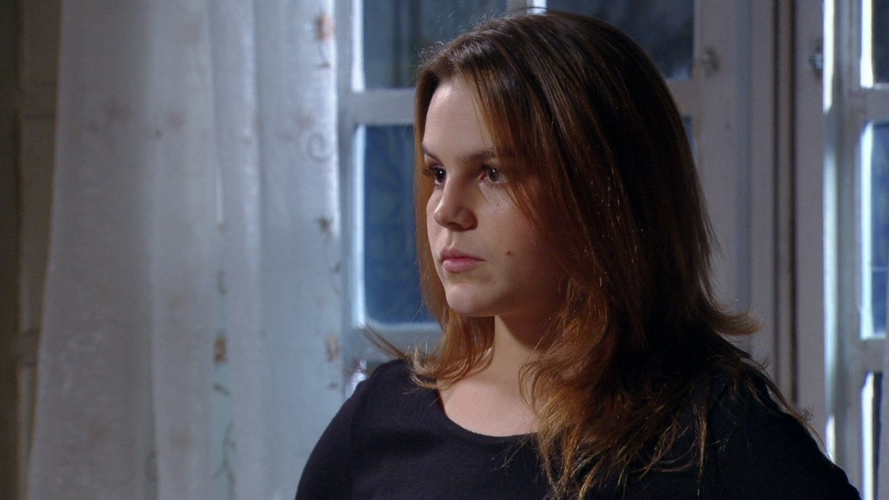 Malhação - Capítulo de terça-feira, dia 06/05/2013, na íntegra - Sofia chora nos braços de Anita