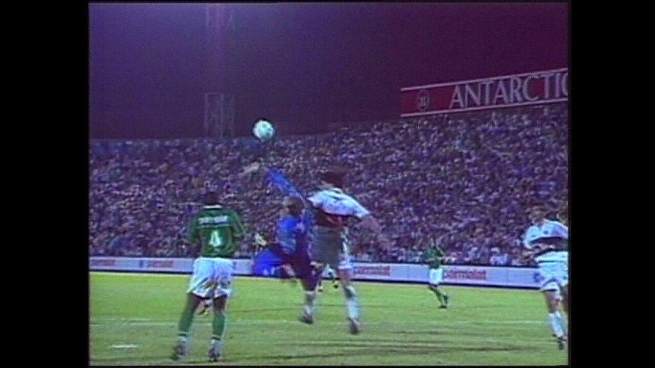 Em 1999, Palmeiras empata com o Olímpia por 1 a 1 pela Taça Libertadores