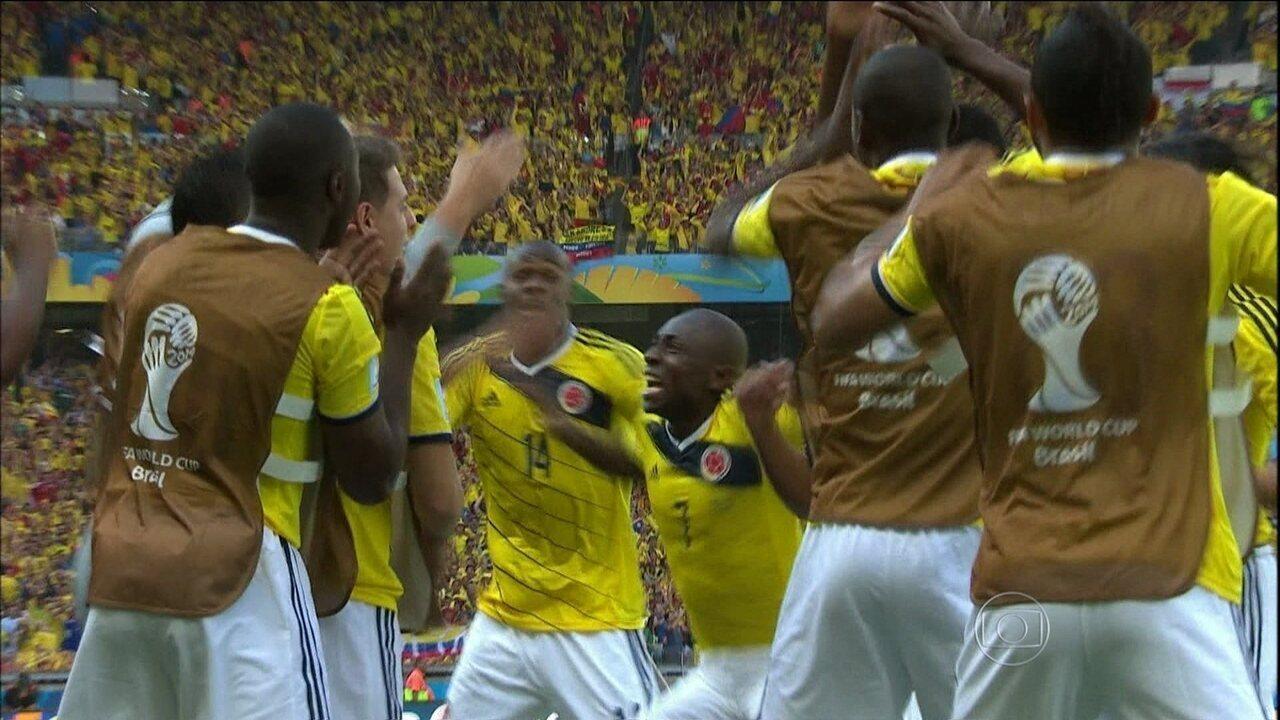 """Pablo Armero dança o """"Ameretion"""" em comemoração de gol contra a Grécia"""