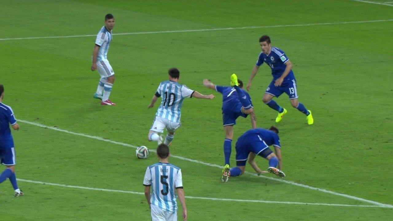 """""""No detalhe"""": confira o gol de Messi na vitória sobre a Bósnia"""