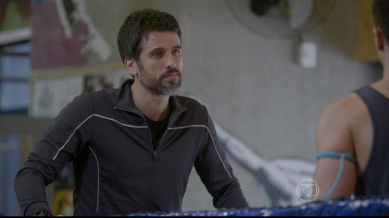 Malhação - capítulo de estreia, dia 14/07/2014, na íntegra - Gael surpreende Bianca e Duca