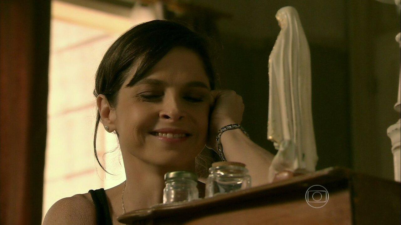 Império - Capítulo de sexta-feira, dia 12/09/2014, na íntegra - Cora quer forjar um exame de DNA em nome de Cristina e José Alfredo