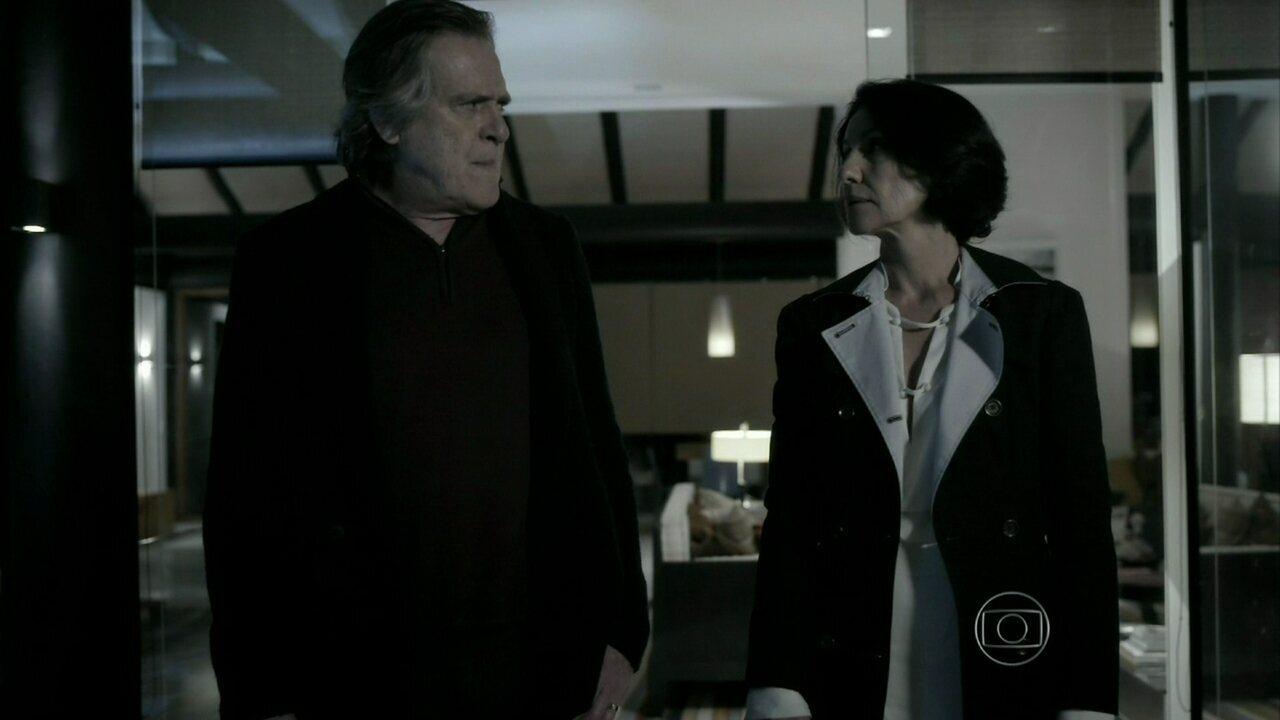 Reveja a cena em que Gilda e Bernardo, personagens de Cassia Kis e José de Abreu em 'O Rebu', se reconciliaram ❤