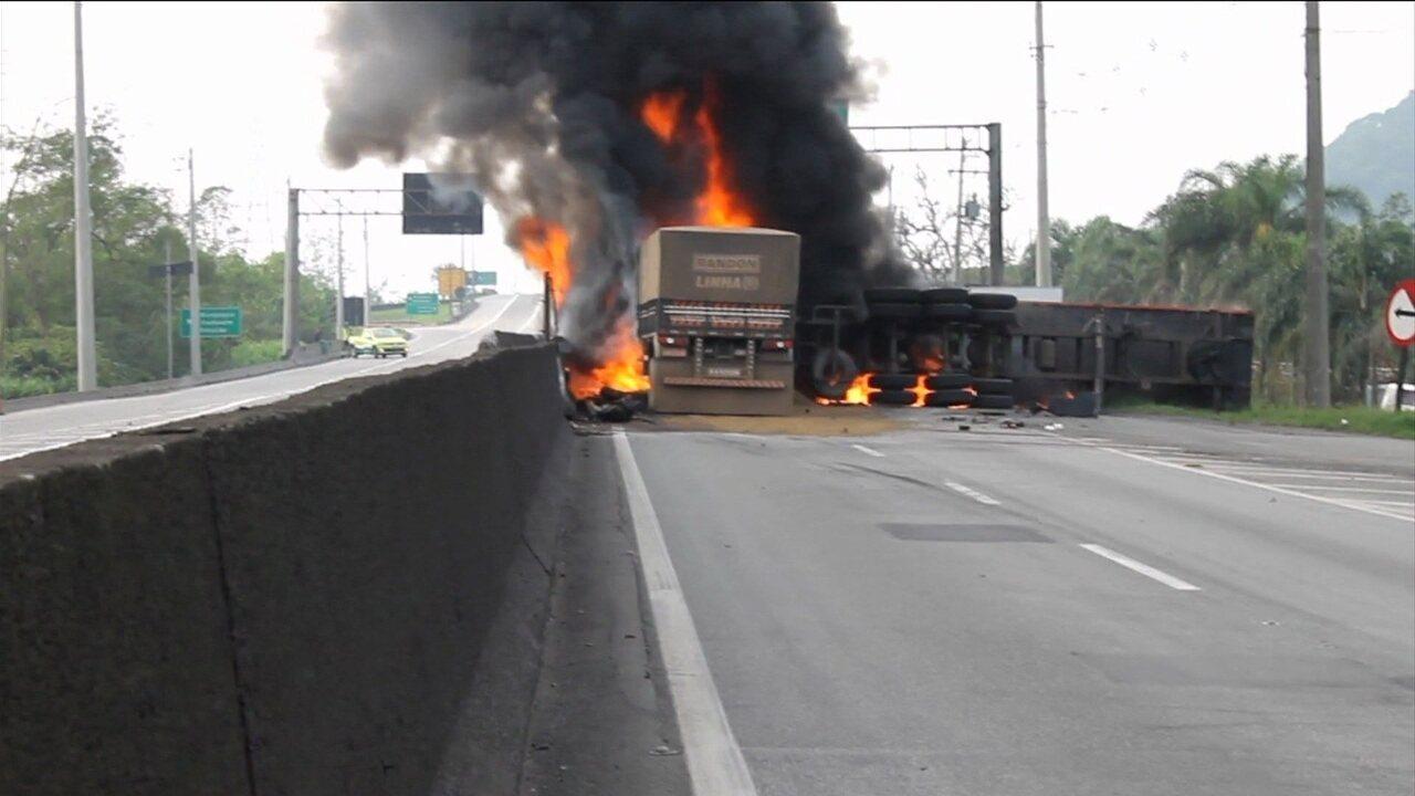 Resultado de imagem para acidente explosão carreta na via anchieta são paulo hoje brasil