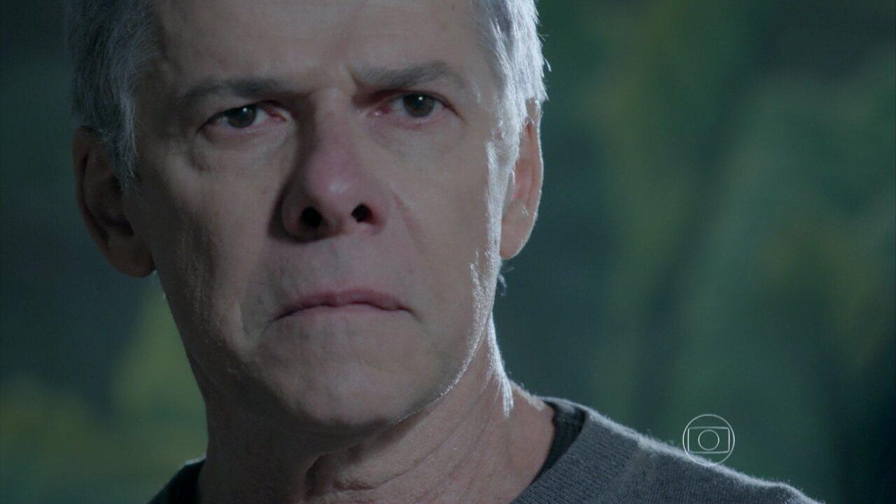 Império - Capítulo de quinta-feira, dia 25/09/2014, na íntegra - Cláudio sofre ao expulsar Enrico de casa