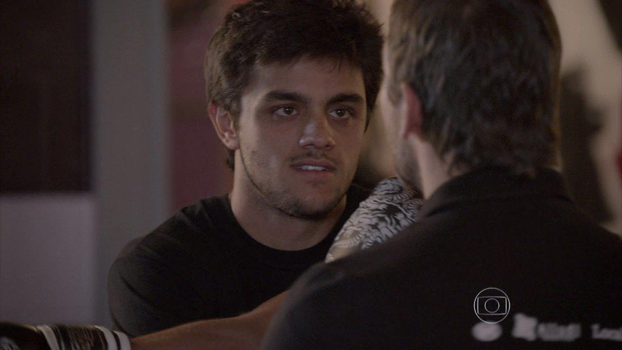 Malhação - capítulo de segunda-feira, dia 29/09/2014, na íntegra - Cobra pede permissão a Lobão para assustar Duca