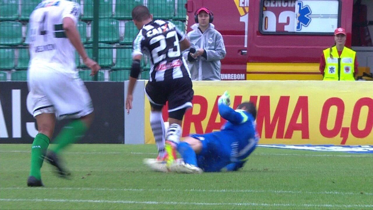 Melhores momentos: Figueirense 4 x 0 Coritiba pela 29ª rodada do Brasileirão 2014