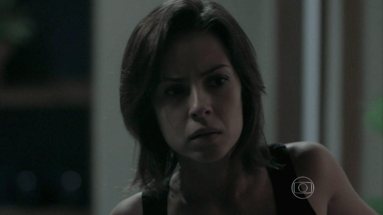 Império - Capítulo de sexta-feira, dia 06/02/2015, na íntegra - Silviano e Marta conversam e Clara escuta atrás da porta