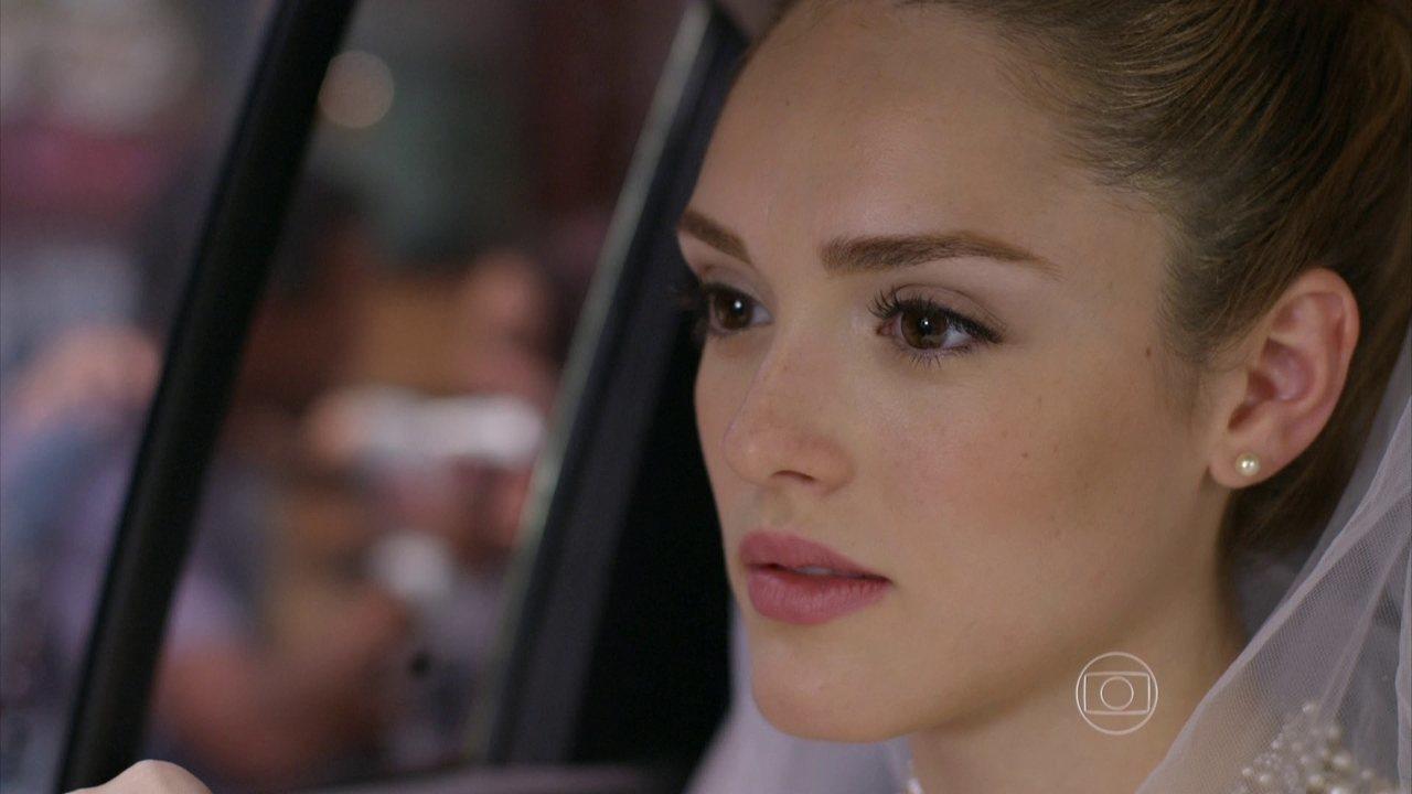 Sete Vidas - Capítulo de sexta-feira, dia 03/04/2015, na íntegra - Marina reconhece Miguel