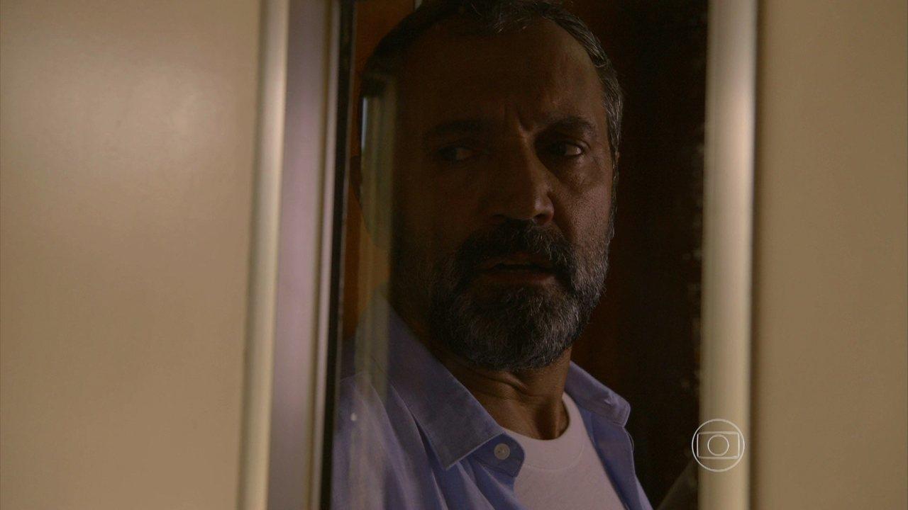Sete Vidas - Capítulo de quarta-feira, dia 08/04/2015, na íntegra - Miguel fica em pânico ao ver Lígia