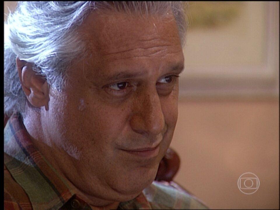 O Rei do Gado - capítulo de terça-feira, dia 14/04/15, na íntegra - Bruno faz uma proposta para Regino