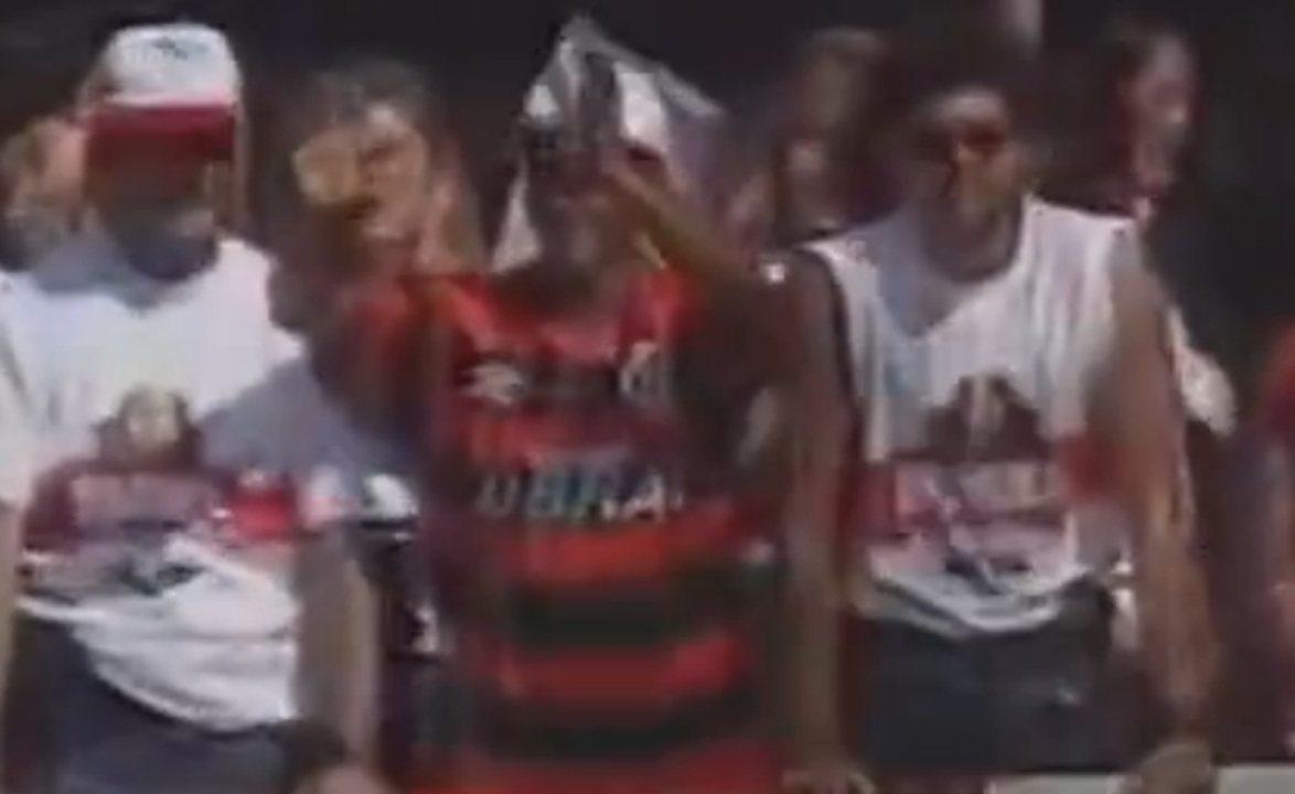 Em 1995, Romário era recebido por milhares de flamenguistas no Rio de Janeiro