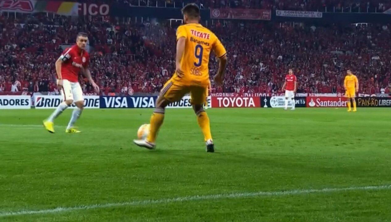 Relembre vitória do Inter sobre o Tigres na Libertadores de 2015