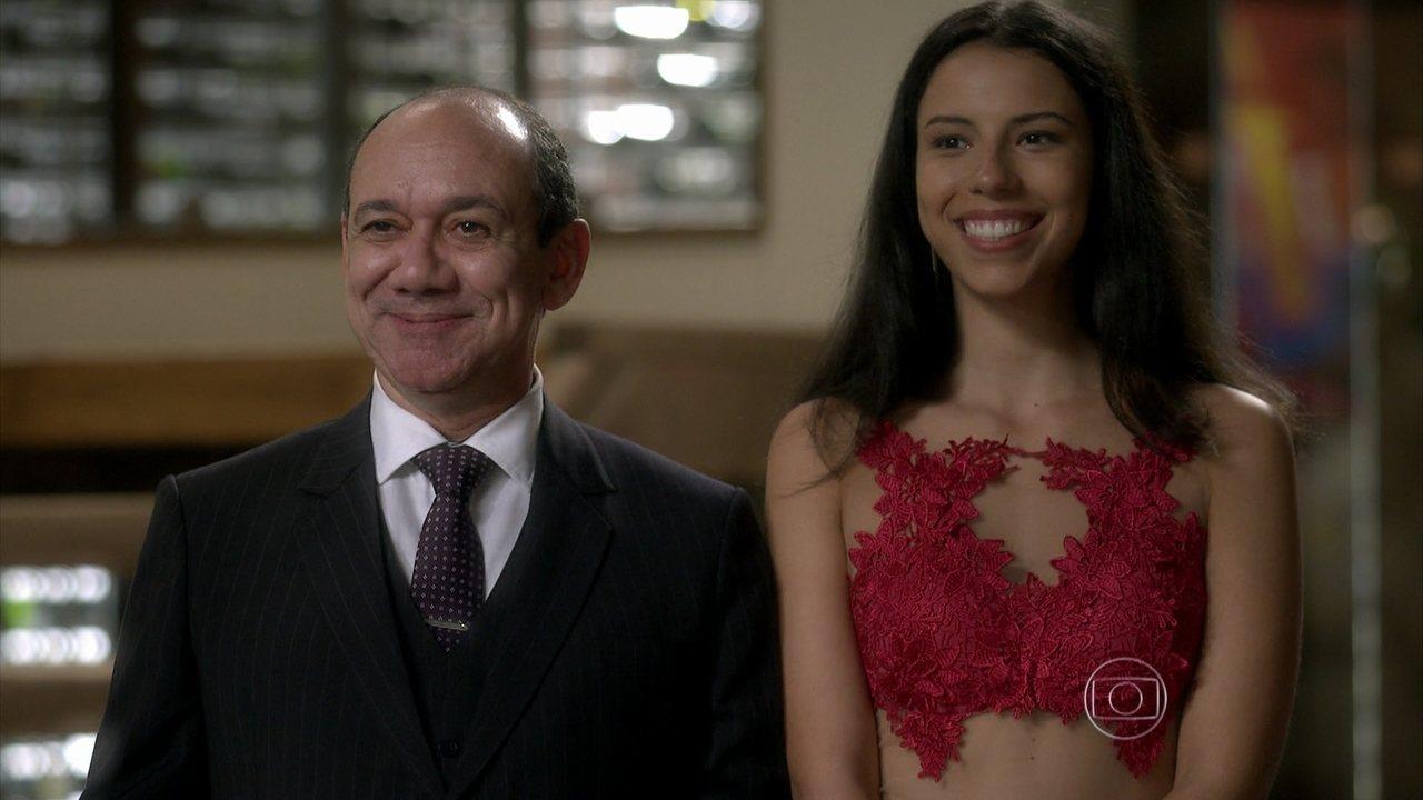 I Love Paraisópolis - capítulo de quarta-feira, dia 07/10/15, na íntegra - Júnior pede permissão a Soraya para ficar noivo de Urbana