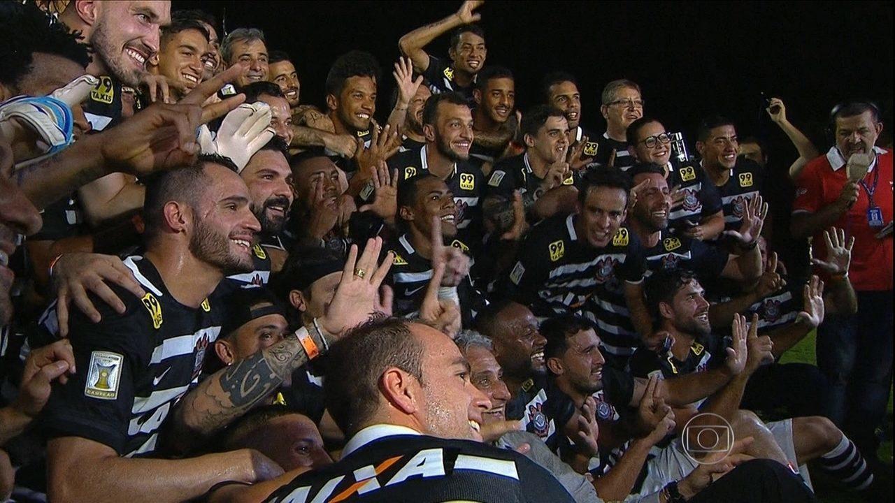 Corinthians empata por 1 a 1 com o Vasco e conquista o hexacampeonato brasileiro em 2015