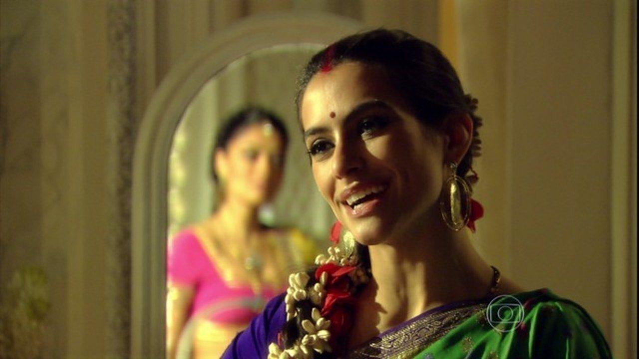 Caminho das Índias - Capítulo de terça-feira, dia 08/03/2016, na Íntegra - Surya pergunta a Maya como ela conheceu o dalit