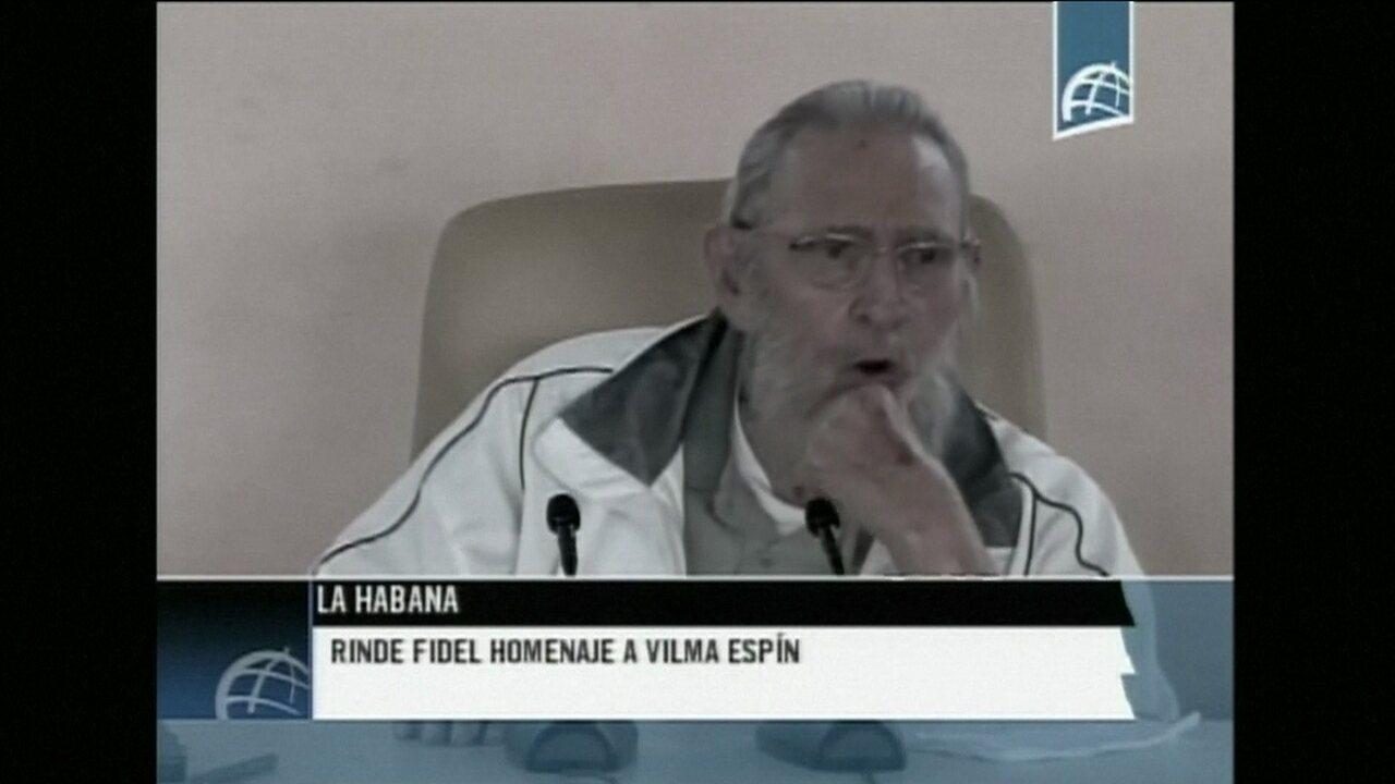 Fidel Castro faz nova aparição pública em ato em Havana