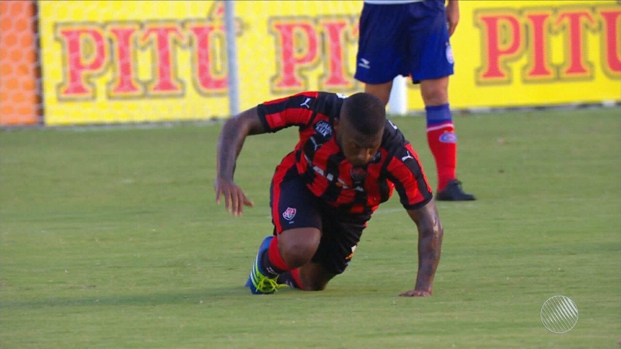 Mais gol do Vitória! Amaral faz um golaço no Barradão