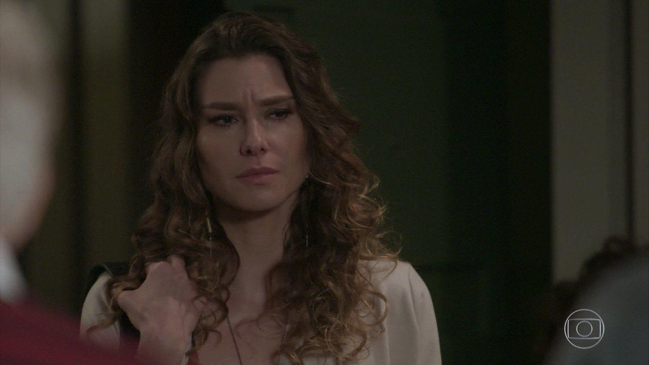 Totalmente Demais - capítulo de sábado, dia 07/05/16, na íntegra - Natasha revela que se separou de Steve e que não vai mais se mudar