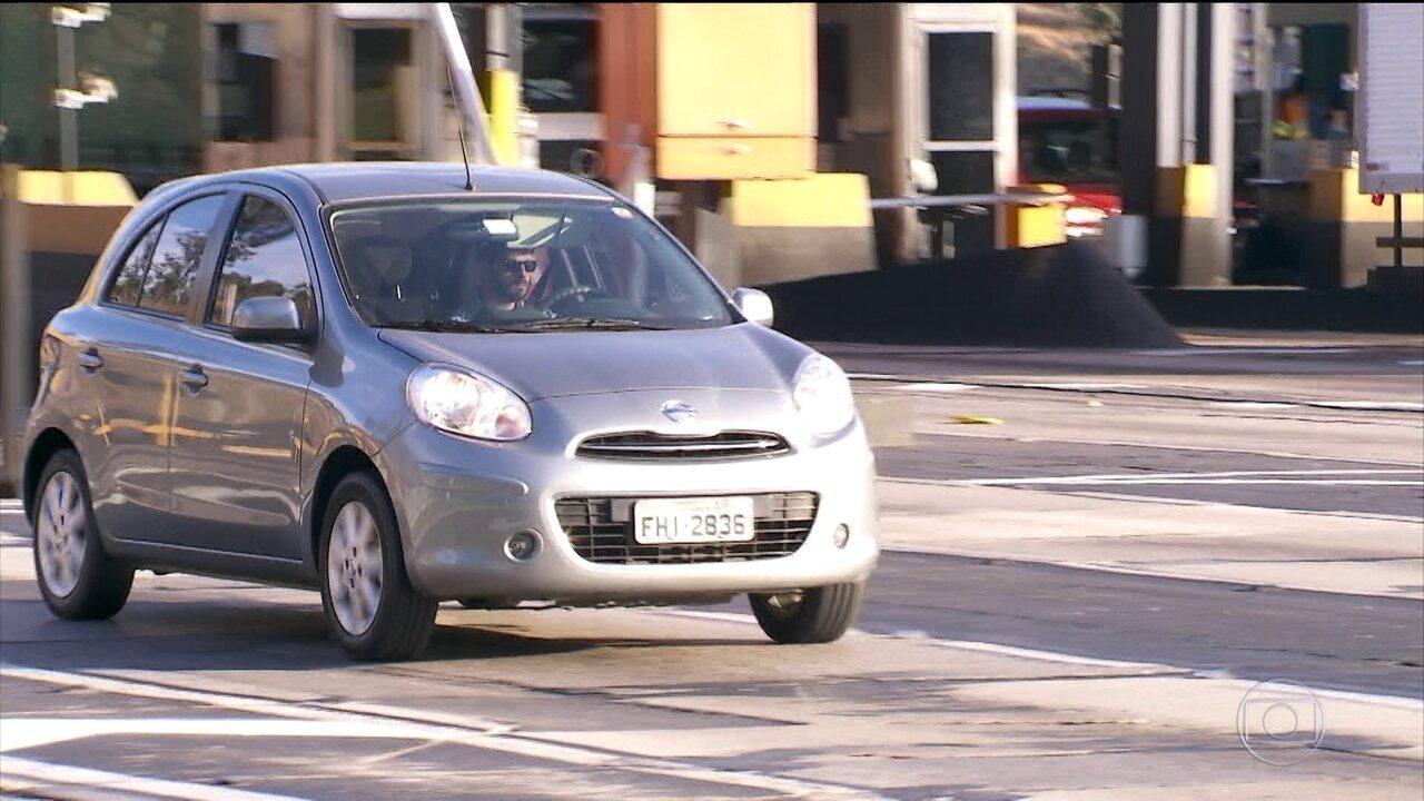 Lei do farol baixo durante o dia nas estradas entra em vigor esta semana