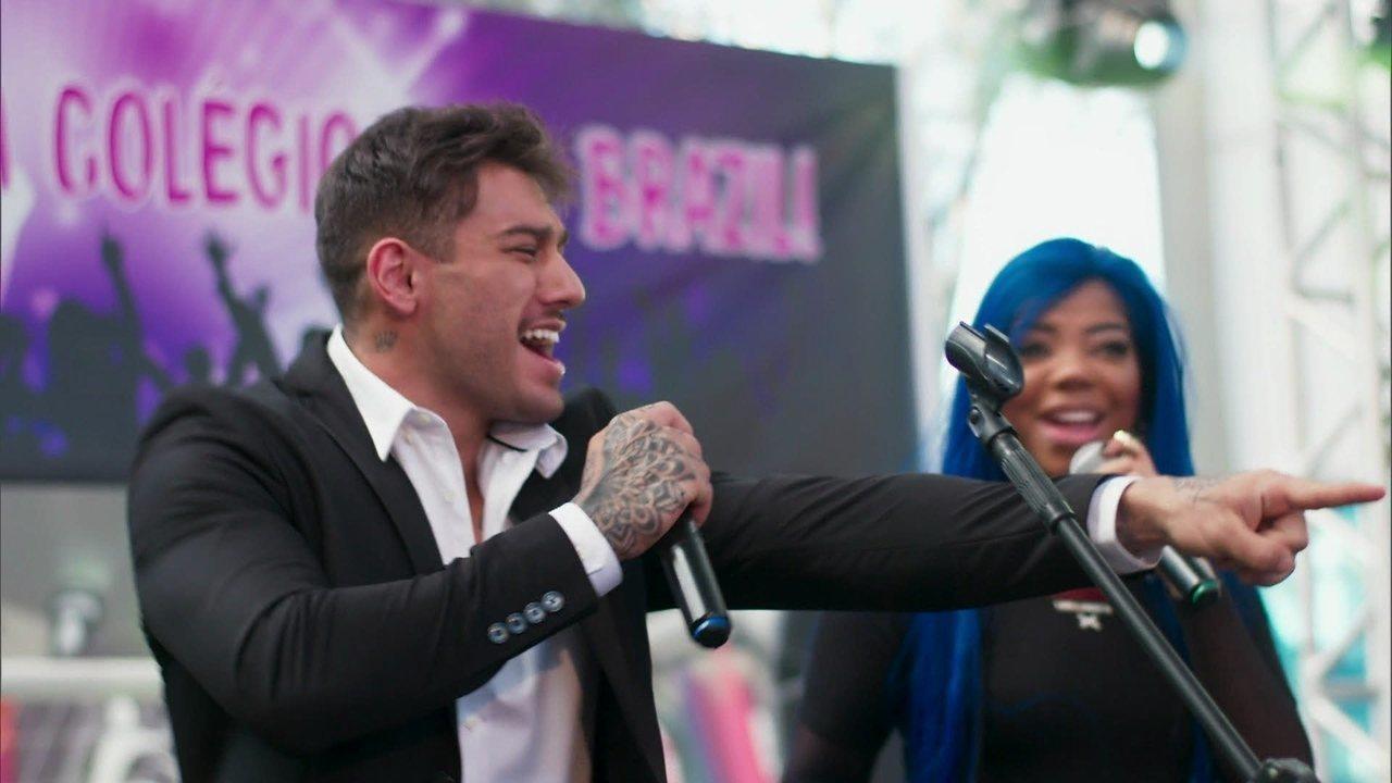 Uodson surpreende e canta com Ludmilla no palco