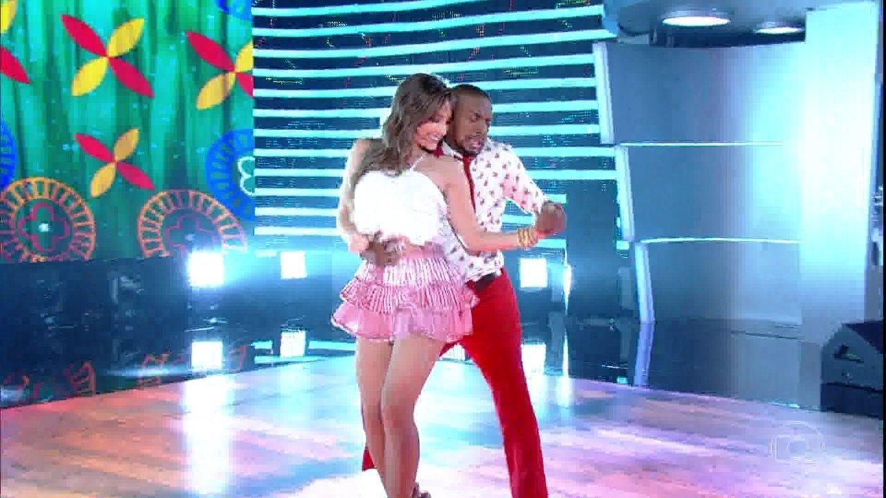 Nego do Borel e Juju Fructozo são a quarta dupla a se apresentar no ritmo de forró