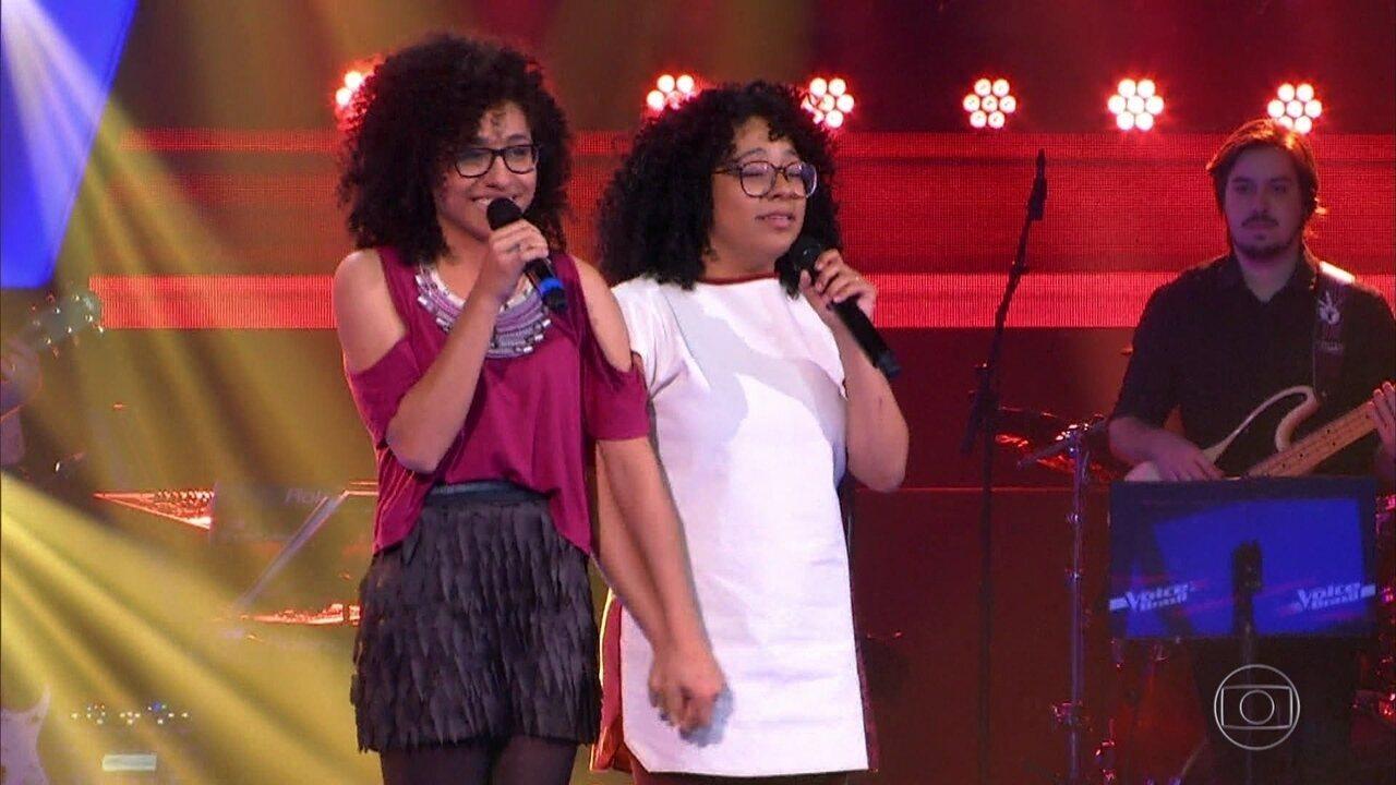 Lilian e Layane cantam 'Me Espera'